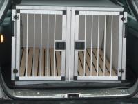 Přepravní auto box pro psy